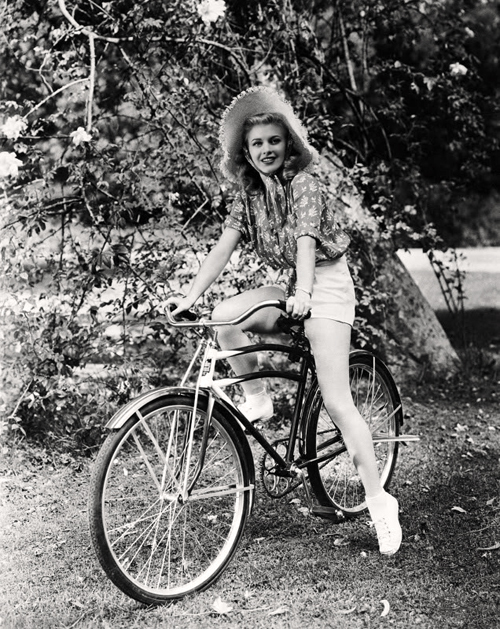 Ginger Rogers Vintage Icon Fashion Style Design Art Daily Inspiration Blog Beauty Actress Glamour Grace Charleston Black White Photo Bicycle Sunhat