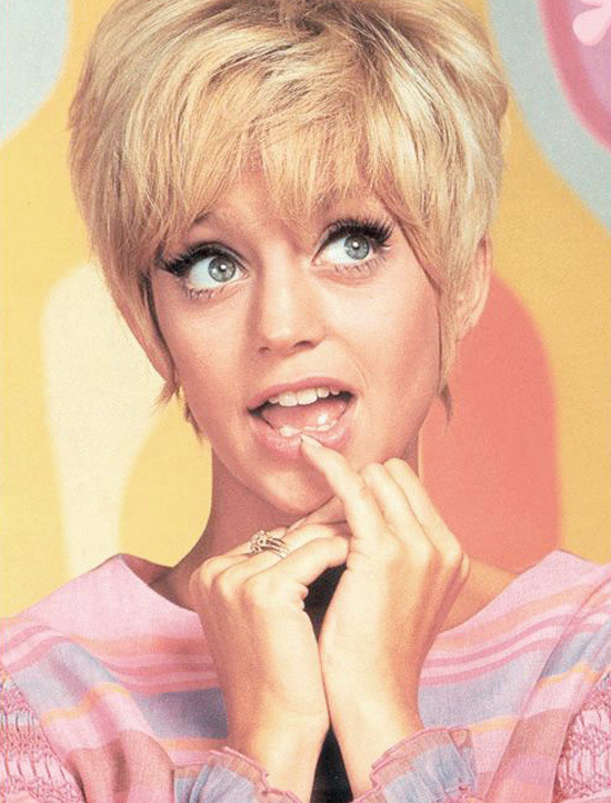 Goldie Hawn Vintage Icon Seventies Sixties 60s 70s Movie Actress Comedian  Pixie Haircut Style Fashion Retro