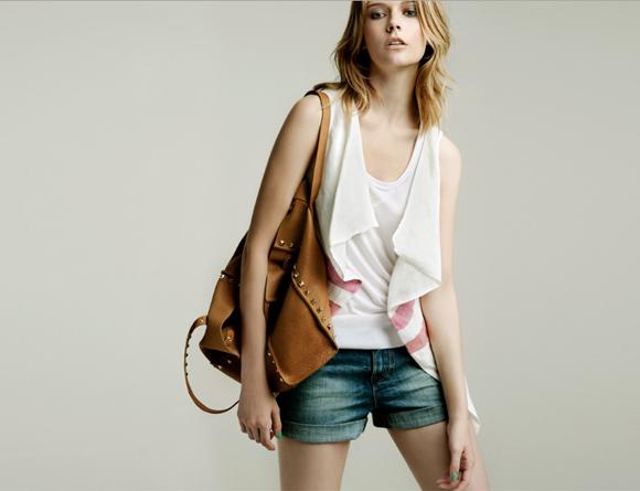 Zara fashion style may lookbook pink white brown denim shorts beach casual spain barcelona spanish