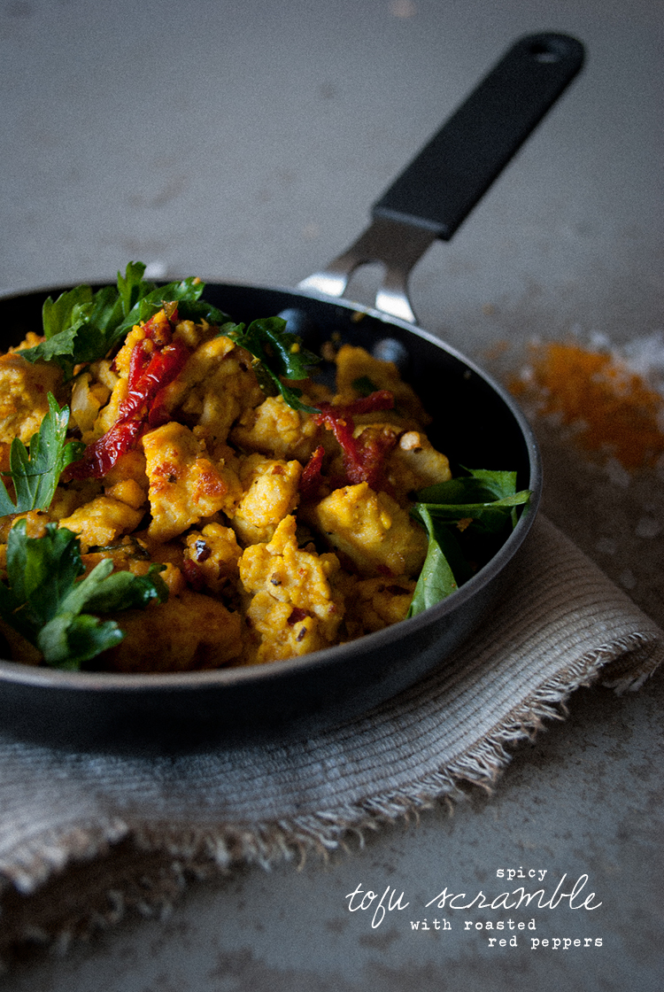 Sugar Free Vegan Project – Spicy Tofu Scramble with Roasted Red Peppers
